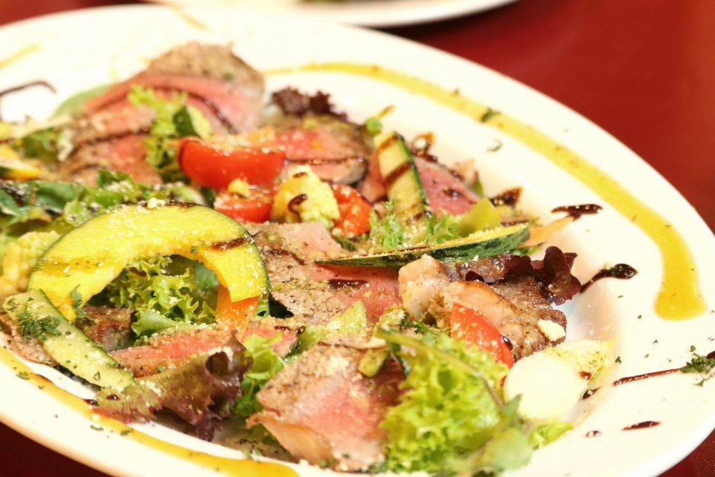 牛ロース肉のフィオレンティーナ